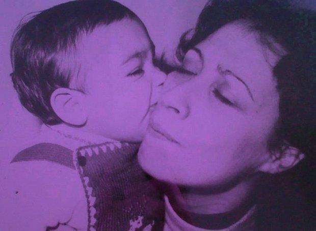 Mara Avila junto a su madre, María Elena Gómez. Foto: Emilio Capasso. Retoque: Pablo Mozuc.
