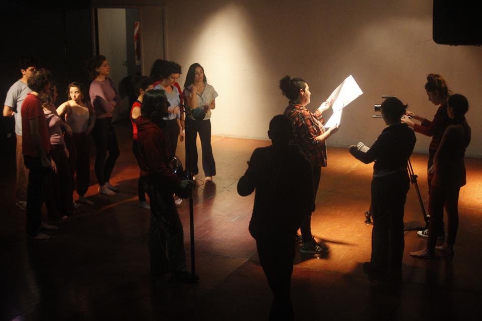 Backstage rodaje en el Club Cultural Matienzo. Femicidio. Un caso, múltiples luchas.
