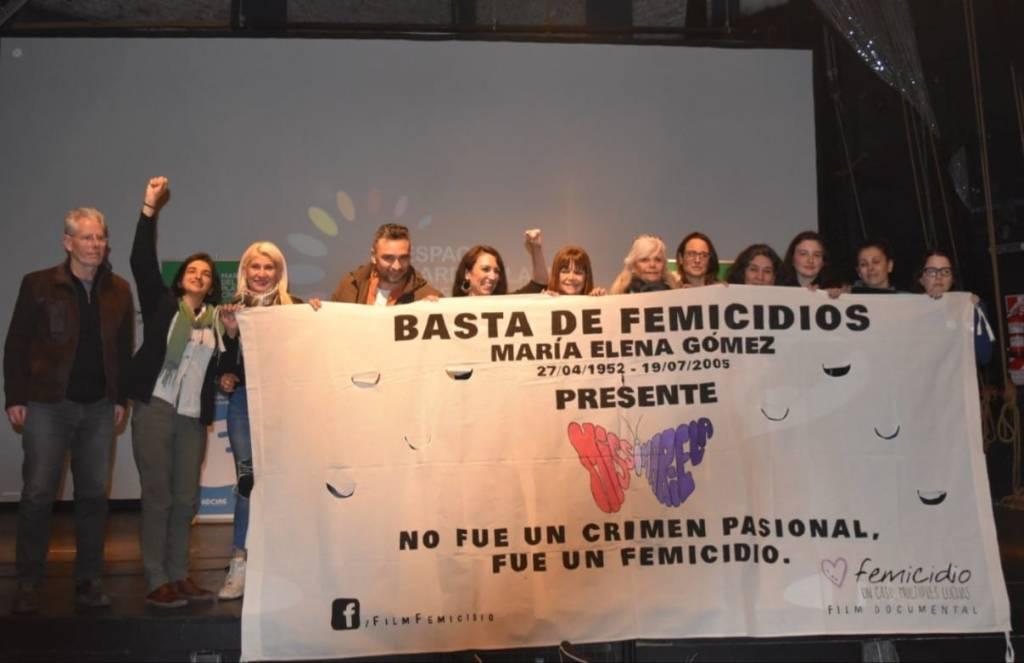 Foto: Lorena Castaño. La elegí porque ese día, en julio en Mar del Plata, conocí a la mamá de Lucía Pérez, que también aparece en la foto.